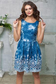 Джинсовое платье с вышивкой Look Russian со скидкой